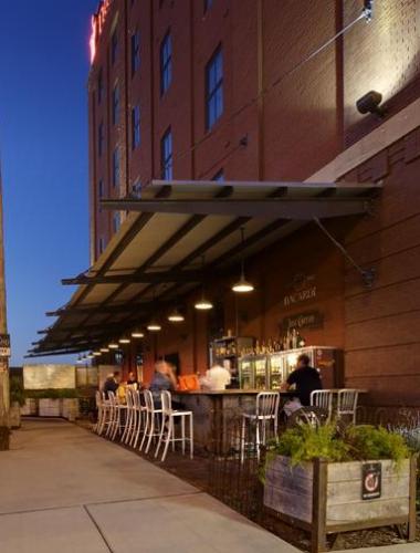 Iron Horse Hotel Bar